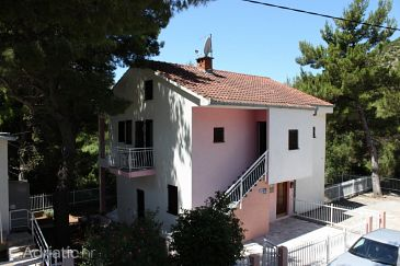 Property Zaostrog (Makarska) - Accommodation 6743 - Apartments with rocky beach.