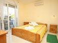 Bedroom - Apartment A-6763-b - Apartments Baška Voda (Makarska) - 6763