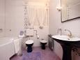 Bathroom 1 - Apartment A-6767-a - Apartments and Rooms Makarska (Makarska) - 6767
