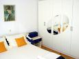 Bedroom 1 - Apartment A-6767-a - Apartments and Rooms Makarska (Makarska) - 6767