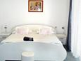 Bedroom 3 - Apartment A-6767-a - Apartments and Rooms Makarska (Makarska) - 6767