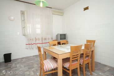 Apartment A-6778-a - Apartments and Rooms Makarska (Makarska) - 6778