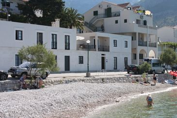 Property Zaostrog (Makarska) - Accommodation 6810 - Apartments near sea with pebble beach.