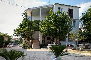 Property Makarska (Makarska) - Accommodation 6814 - Apartments with pebble beach.