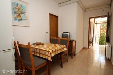 Apartment A-6817-a - Apartments Tučepi (Makarska) - 6817
