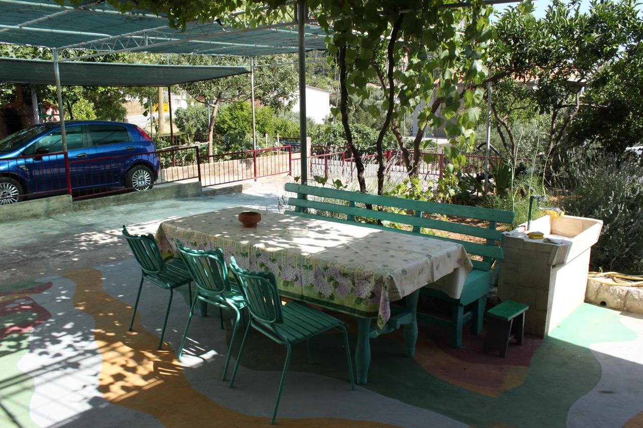Apartmány s parkoviskom v meste Gradac - 6819