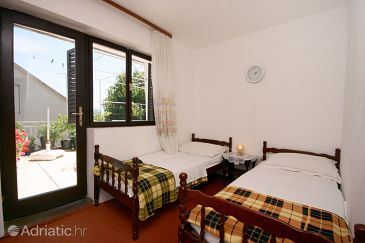 Room S-6824-a - Rooms Podaca (Makarska) - 6824