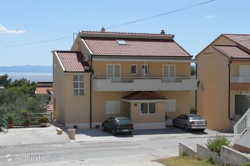 Property Makarska (Makarska) - Accommodation 6850 - Apartments with pebble beach.
