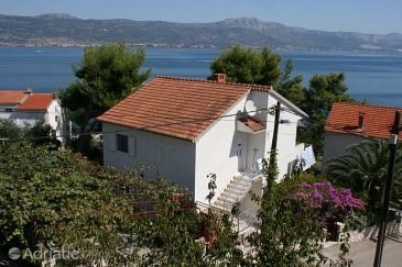 Property Slatine (Čiovo) - Accommodation 6888 - Apartments near sea with pebble beach.