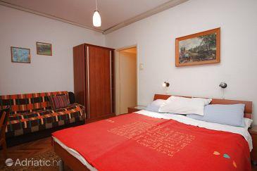 Room S-6930-b - Apartments and Rooms Novigrad (Novigrad) - 6930