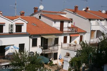 Property Vrsar (Poreč) - Accommodation 6939 - Apartments with pebble beach.