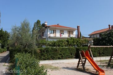 Property Umag (Umag) - Accommodation 6960 - Apartments with sandy beach.