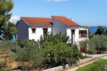 Property Tkon (Pašman) - Accommodation 698 - Apartments near sea.