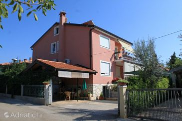 Property Umag (Umag) - Accommodation 7063 - Apartments with sandy beach.