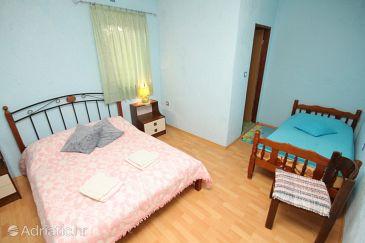 Room S-7068-a - Apartments and Rooms Motovun - Brkač (Središnja Istra) - 7068