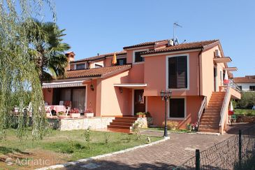 Property Rožac (Umag) - Accommodation 7072 - Apartments with rocky beach.