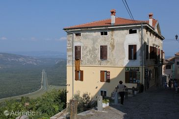 Property Motovun (Središnja Istra) - Accommodation 7091 - Apartments with pebble beach.