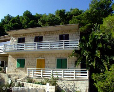 Property Povlja (Brač) - Accommodation 716 - Apartments near sea.