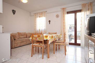Fažana, Dining room u smještaju tipa apartment, dostupna klima i WIFI.
