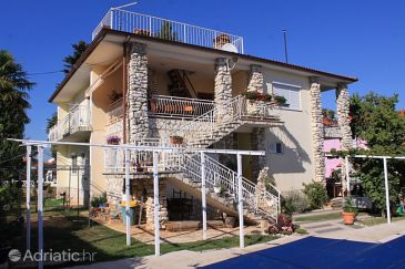 Property Valbandon (Fažana) - Accommodation 7257 - Apartments with pebble beach.