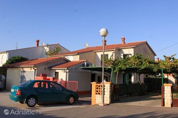 Property Valbandon (Fažana) - Accommodation 7259 - Apartments with pebble beach.