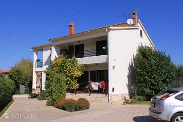 Property Valbandon (Fažana) - Accommodation 7304 - Apartments with pebble beach.
