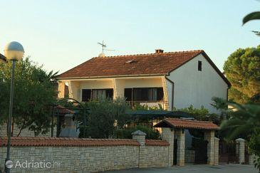 Property Valbandon (Fažana) - Accommodation 7307 - Apartments with pebble beach.
