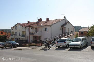 Property Pula (Pula) - Accommodation 7317 - Apartments with pebble beach.