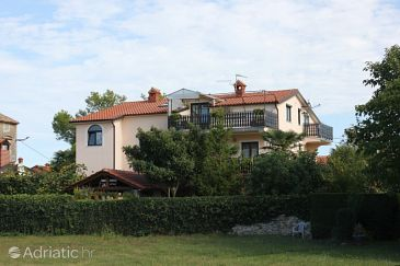Property Bašanija (Umag) - Accommodation 7334 - Apartments with pebble beach.