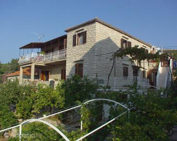 Property Milna (Brač) - Accommodation 735 - Apartments near sea.