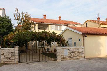 Obiekt Valbandon (Fažana) - Zakwaterowanie 7352 - Apartamenty ze żwirową plażą.
