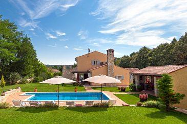 Property Prodol (Marčana) - Accommodation 7359 - Vacation Rentals with pebble beach.