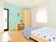 Bedroom 2 - Apartment A-7388-c - Apartments Poreč (Poreč) - 7388