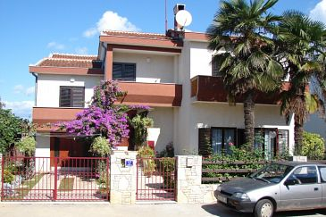 Property Valbandon (Fažana) - Accommodation 7395 - Apartments with pebble beach.