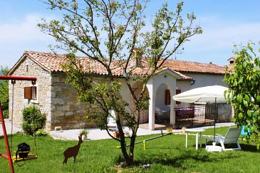 Property Čepić (Središnja Istra) - Accommodation 7404 - Vacation Rentals with pebble beach.