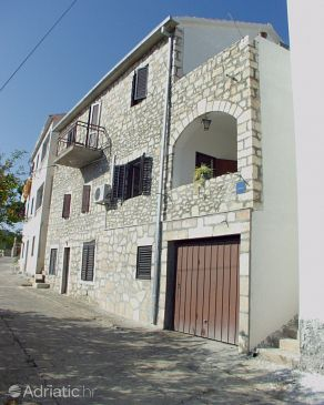 Property Sutivan (Brač) - Accommodation 750 - Apartments with pebble beach.