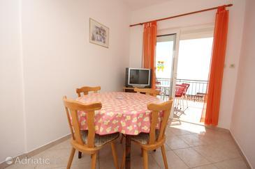 Apartment A-7570-b - Apartments Pisak (Omiš) - 7570