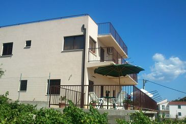 Property Podstrana (Split) - Accommodation 7572 - Apartments with pebble beach.