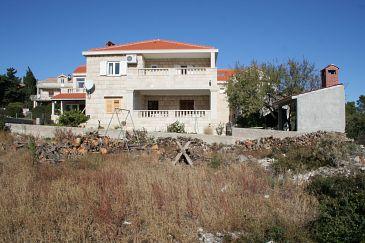 Obiekt Povlja (Brač) - Zakwaterowanie 759 - Apartamenty ze żwirową plażą.