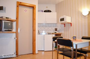 Apartment A-7612-b - Apartments Pješčana Uvala (Pula) - 7612