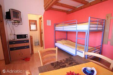 Apartment A-7612-f - Apartments Pješčana Uvala (Pula) - 7612