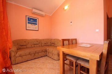 Ližnjan, Dining room u smještaju tipa apartment, dostupna klima, dopusteni kucni ljubimci i WIFI.