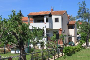 Property Banjole (Pula) - Accommodation 7624 - Apartments near sea with pebble beach.