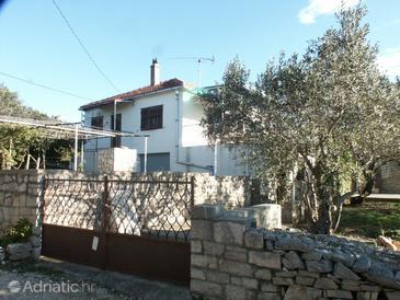 Property Nečujam (Šolta) - Accommodation 773 - Apartments near sea.
