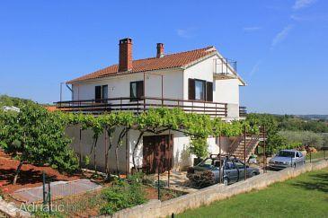 Kaštelir, Središnja Istra, Property 7734 - Apartments with pebble beach.