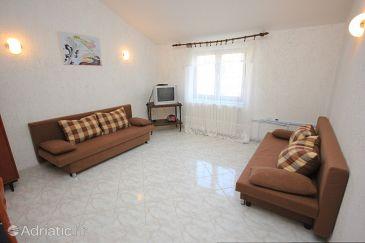 Brseč, Dnevni boravak u smještaju tipa apartment, dostupna klima, dopusteni kucni ljubimci i WIFI.