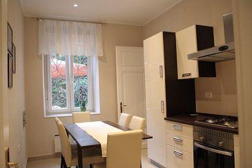 Lovran, Dining room u smještaju tipa apartment, dopusteni kucni ljubimci i WIFI.