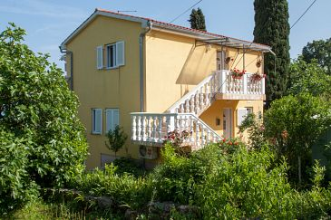 Property Oprić (Opatija) - Accommodation 7925 - Apartments with pebble beach.