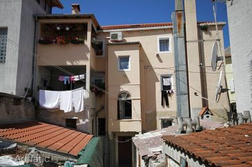 Property Mali Lošinj (Lošinj) - Accommodation 7979 - Apartments near sea with pebble beach.