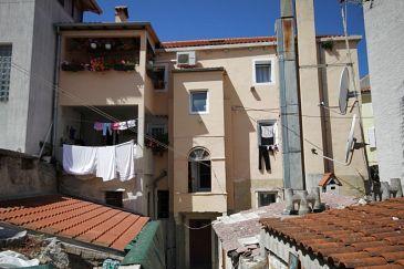 Obiekt Mali Lošinj (Lošinj) - Zakwaterowanie 7979 - Apartamenty blisko morza ze żwirową plażą.